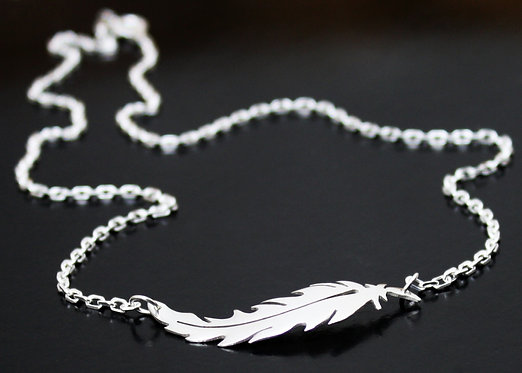 Feather Necklace Sideways in Sterling Silver