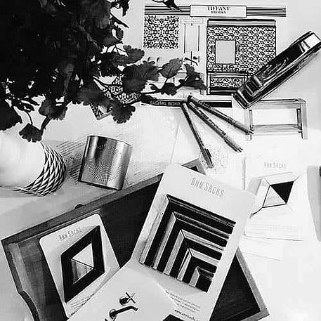 eDesign-scattered-desk-01-bw.jpg