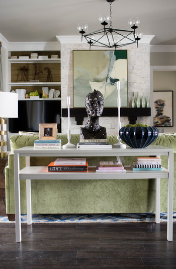 sh2016_living_room_console_chandelier_ar