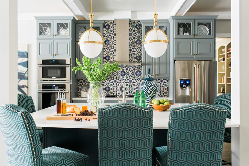 sh2016_kitchen-view-from-living-bells_h