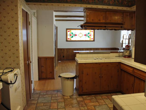 HGTV Show Before: Country Kitchen Goes Modern
