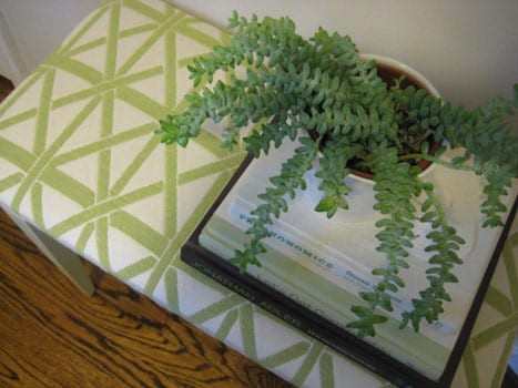 upholster-and-repaint-paint-a-bench-thrift-store-makeover-refinish