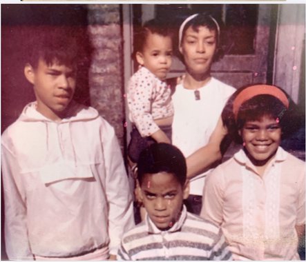 Maxine & Children back of Woodlawn.png