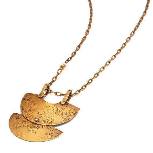 Santhi Necklace in Brass