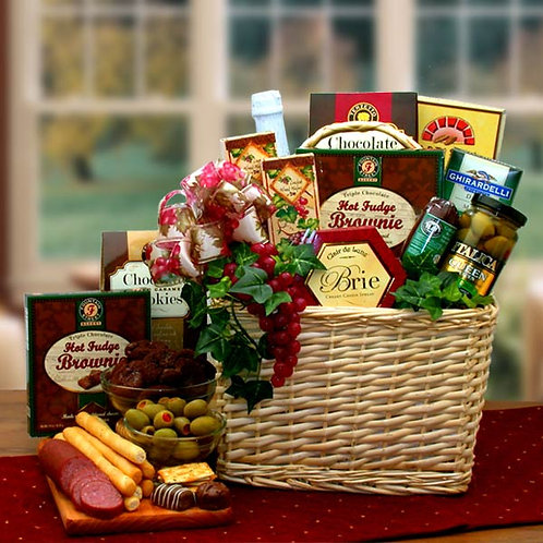A Picnic Fare For Two Gift Basket 810712