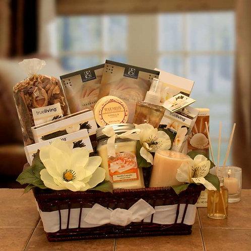 Vanilla Essence Candle Gift Basket 8413432