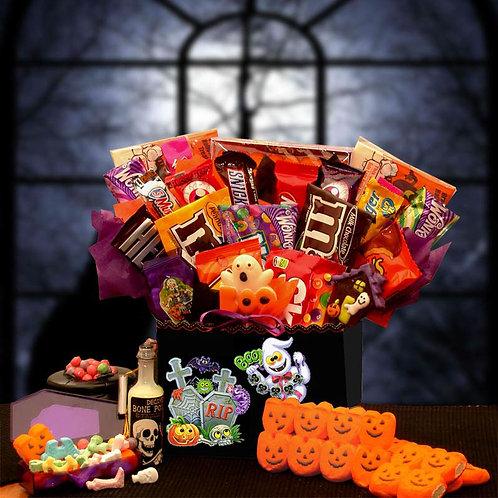 Spooktacular Sweets Halloween Gift Box  914532