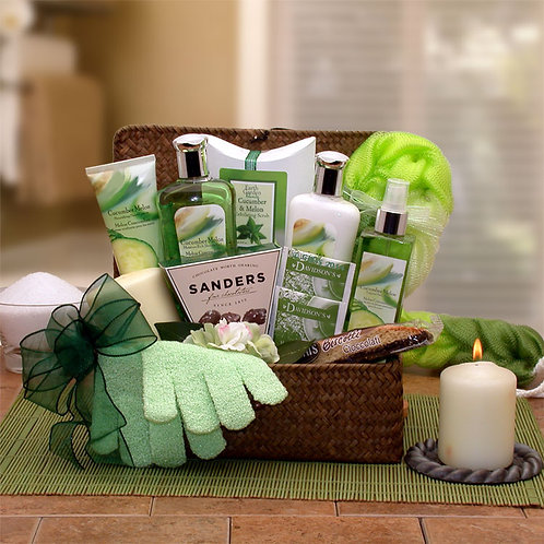 Serenity Spa Cucumber & Melon Gift Chest 8413632