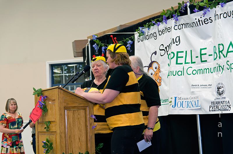 The Ki-Wanna-Bees! Sponsored by Kristmastown, Pioneer, and Shelton Kiwanis clubs