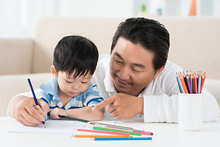 father with preschooler drawing asian.jp