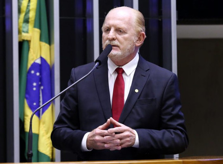 Projeto cria programa para injetar R$ 2,5 bilhões em empresas e municípios turísticos