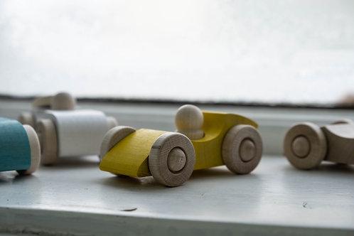 OKOLO Formule a retro sporťáky