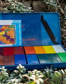Voskové bločky - 16 barev - v plechové krabičce