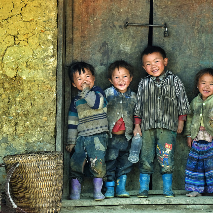 Ngai Thau Children