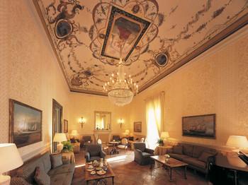 Provenzal Villa - Toscana