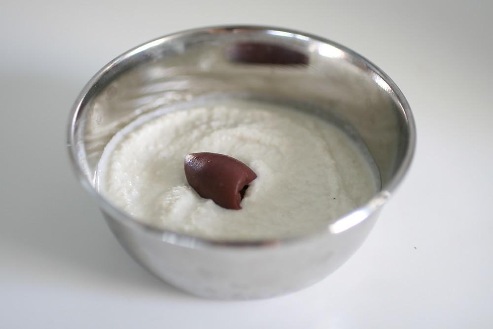 גבינת קשיו שקדים טבעונית