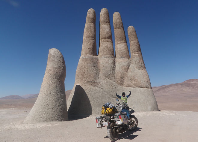 4_The Hand in Chile