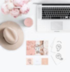 pink-flatlay-laptop-ie-o.jpg
