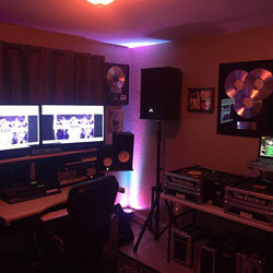 DJ Studio B