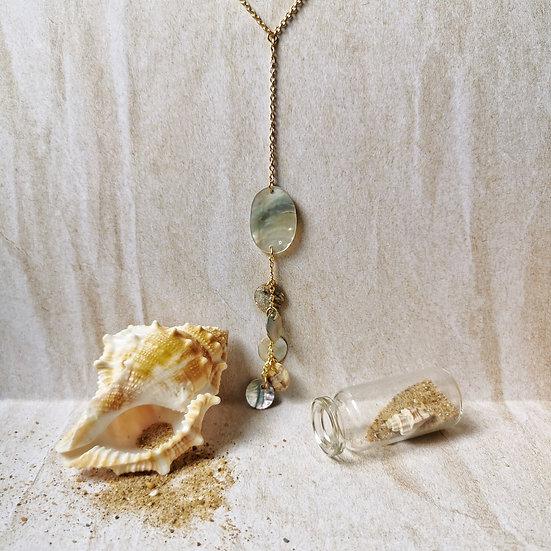 Collier chaîne dorée et nacre