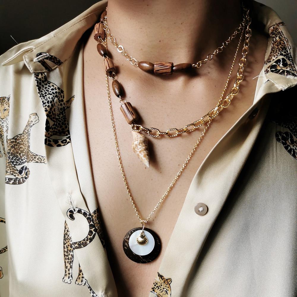 stacking de 3 colliers, perles en bois, noix de coco et nacre