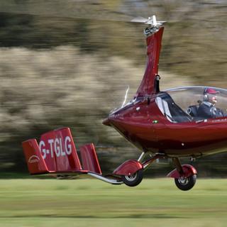 G-CLDS taking off 26462690060_cf07f8717e