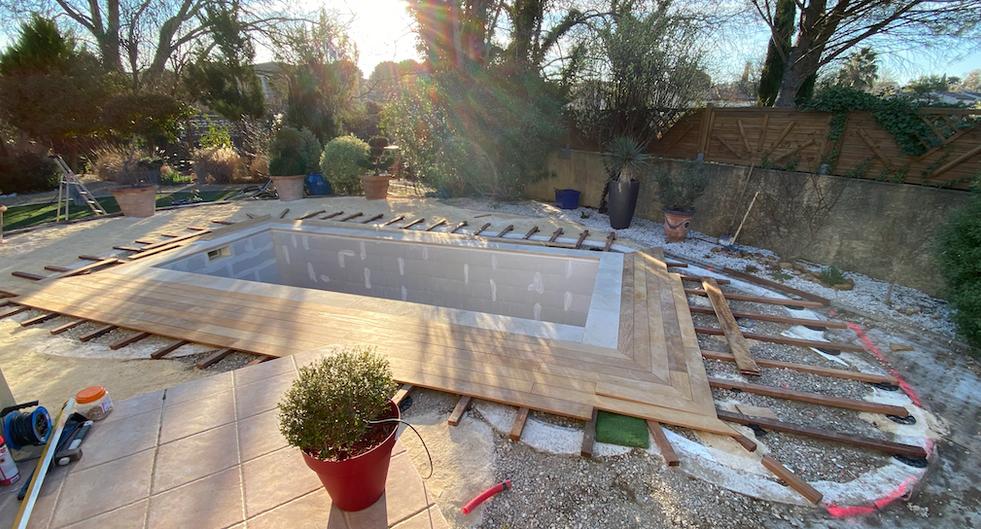 construction terrasse piscine bois nimes