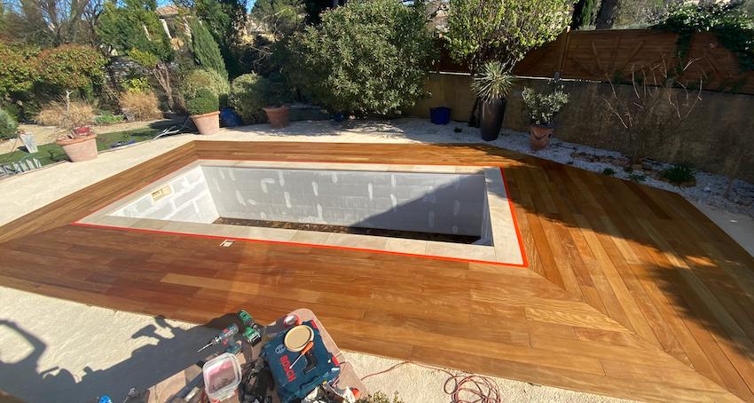 construction piscine terrasse bois nimes