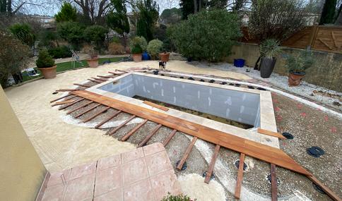 construction piscine nimes terrasse bois