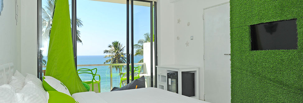 Effing Amazing View Room - Bedroom Interior