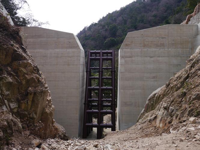 摩耶第5堰堤