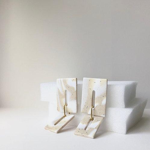 NOVA IN WHITE & SPECKLED SAND