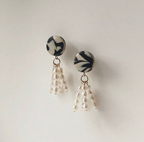 MINI BON BON 03 IN MARBLE WITH FRESHWATER PEARLS