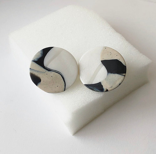 ABSTRACT YIN YANG IN MARBLE & PEARL WHITE