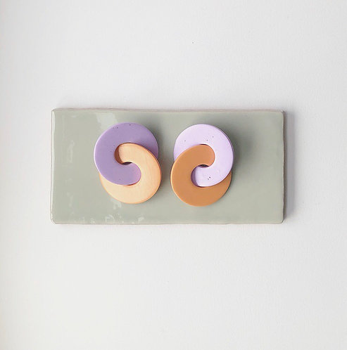 ATHENA LINKED HOOPS IN LILAC SPECKLE & TERRACOTTA