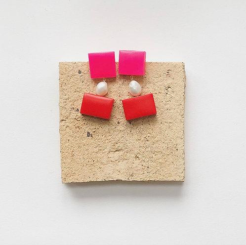 BON BON EARRINGS IN RED & PINK