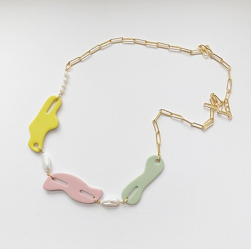 THE SHAPES NECKLACE IN NEAPOLITAN WITH FRESHWATER PEARLS