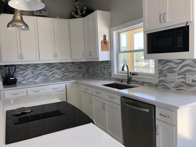 grey tile backsplash.jpg