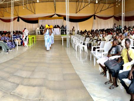 Début de la distribution des kits scolaires 2021 à Musaga