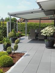 Terrassen- und Beetgestaltung