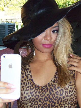 """BEHIND THE SCENES: Our """"broadway"""" leather floppy hat photo shoot"""