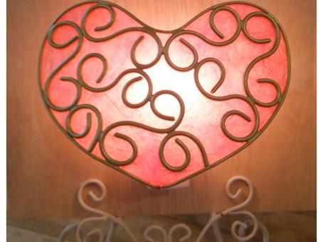 【今月のオススメレッスン】バレンタイン1dayレッスン ハート型ライト | 手作りライト照明教室 PAPERMOON(東京 自由が丘)