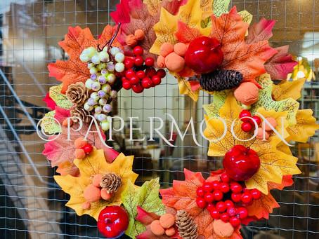 秋冬リースでお出迎え! | 手作りライト照明教室 PAPERMOON(東京 自由が丘)