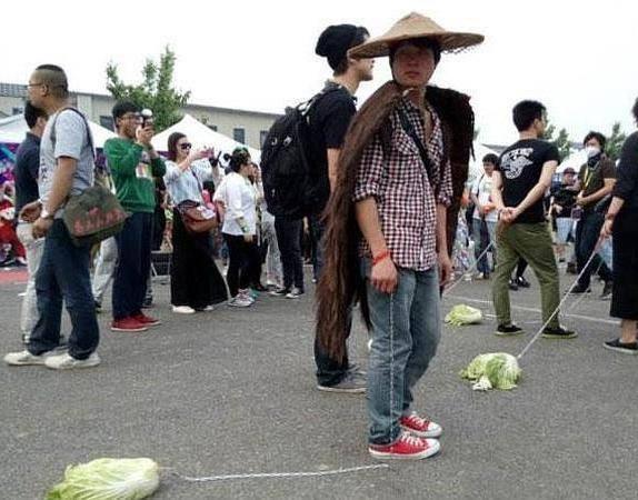 chinos paseando verduras depresión soledad