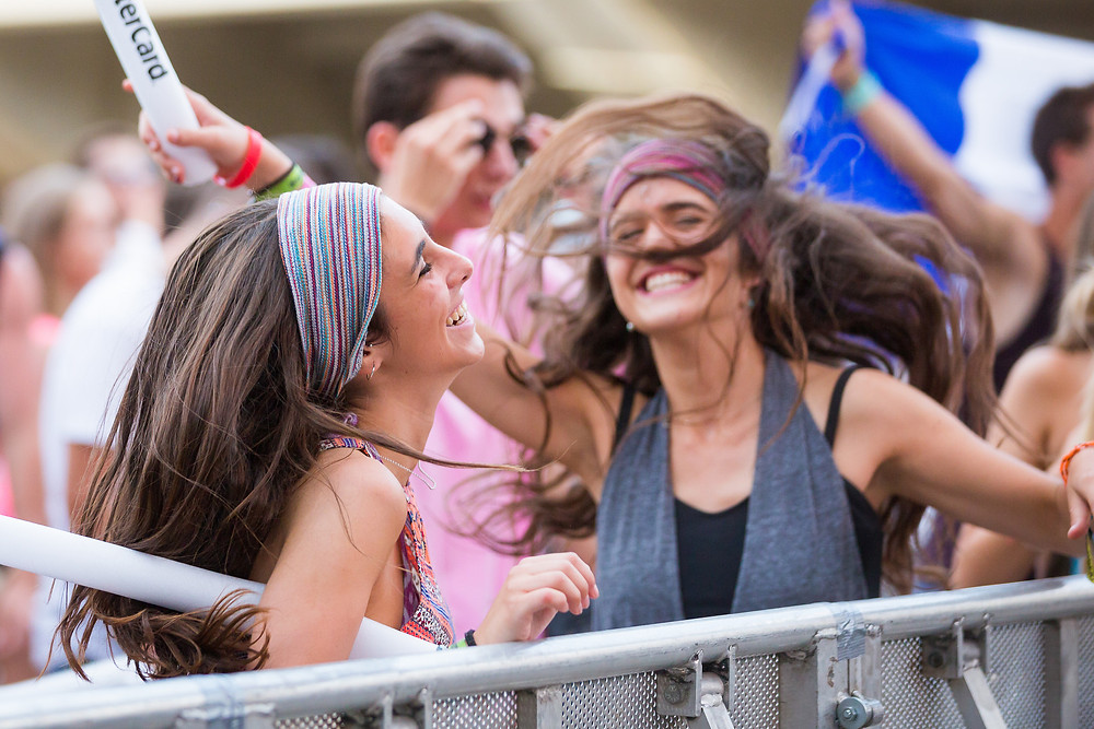 Ultra festival dancing together