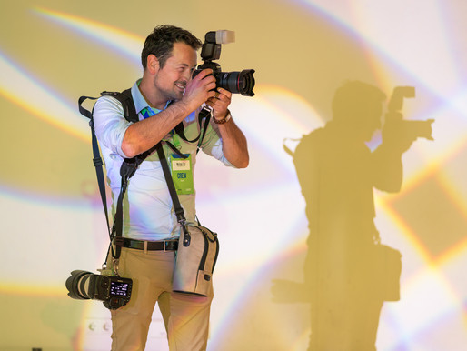 7 tips from an event photographer when hiring a photographer