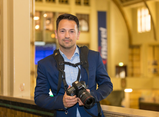 5 Reasons why it's important to hire a professional event photographer