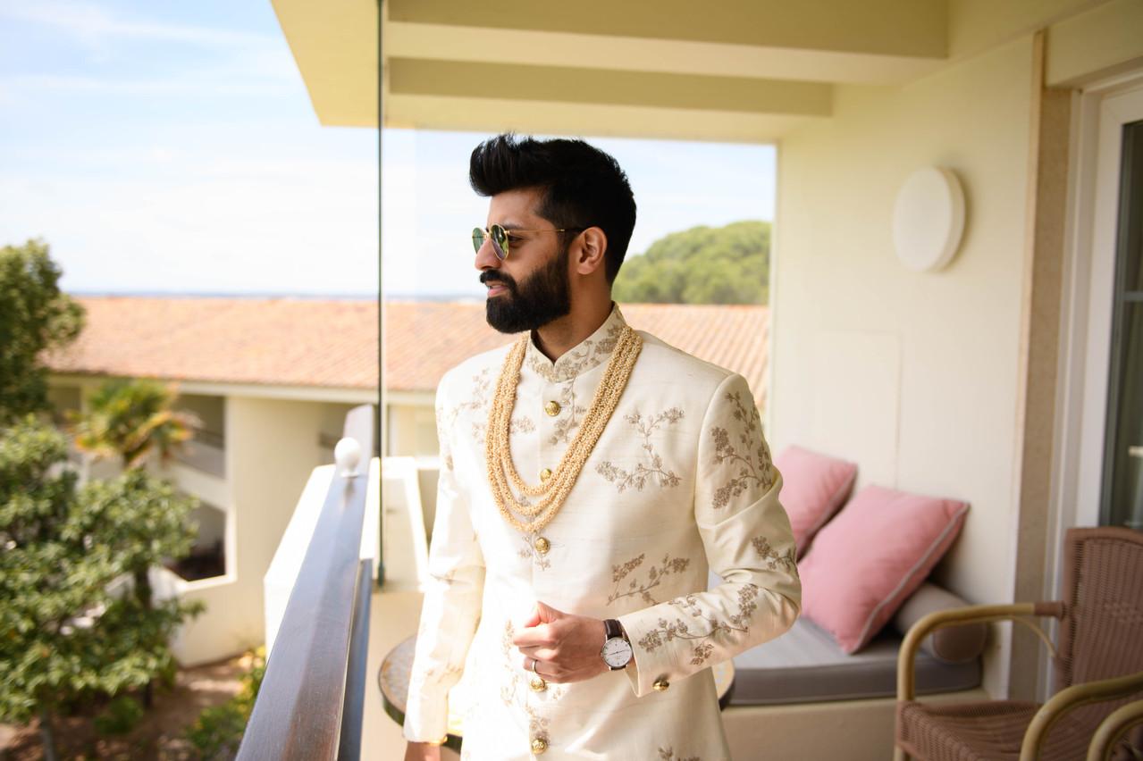 Asian groom on his Hindu wedding