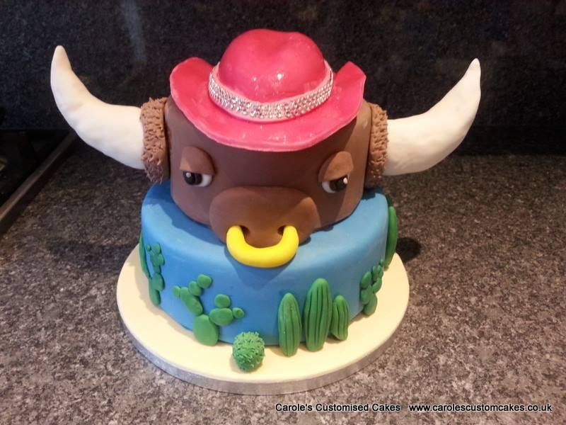 Bull wild west cake