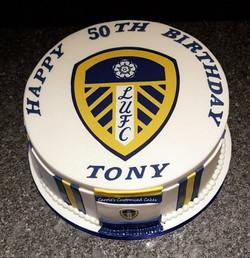 Leeds fan cake